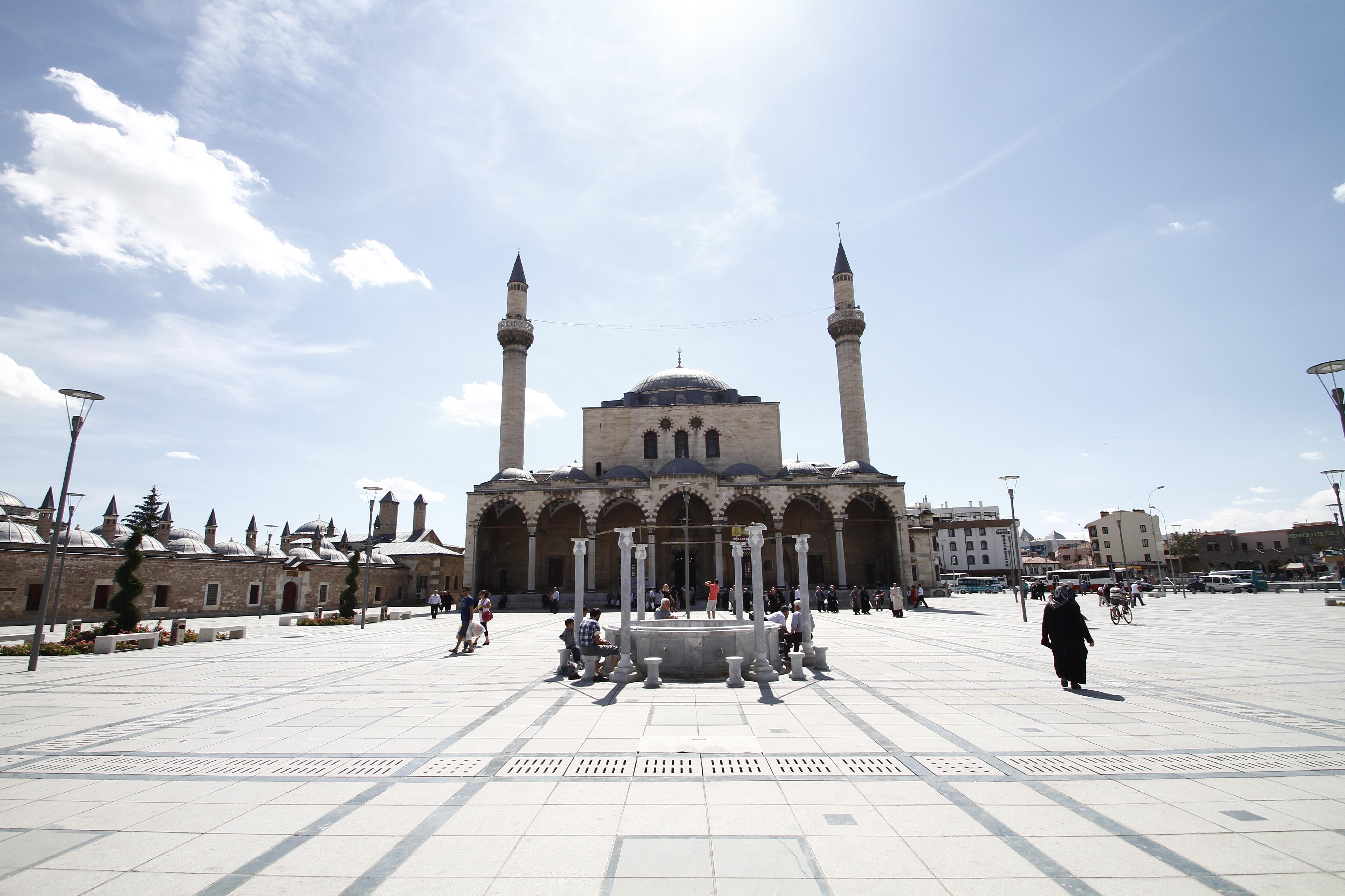 La Grende Moschea di Konya